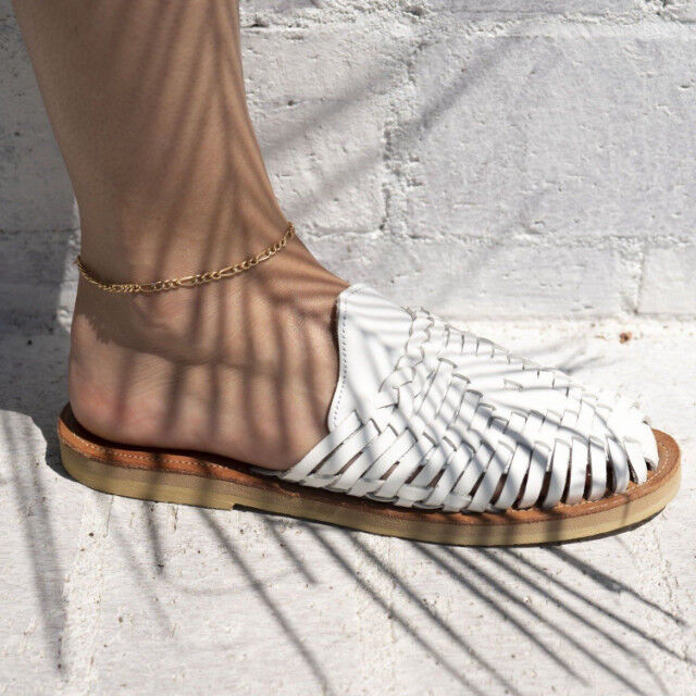 極簡吸引力 俐落感金屬腳鍊設計